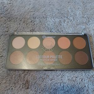 BH Cosmetics Contour Palette ONLY SWATCHED